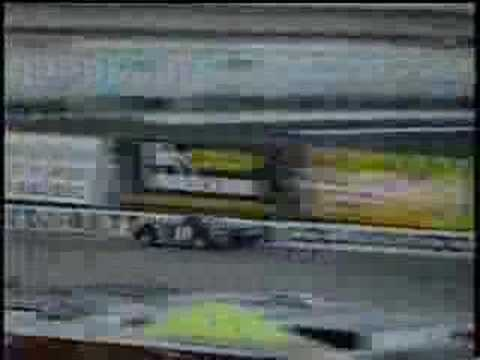 Stock car crash - Jay Sommers loses the 2000 Glass City 200