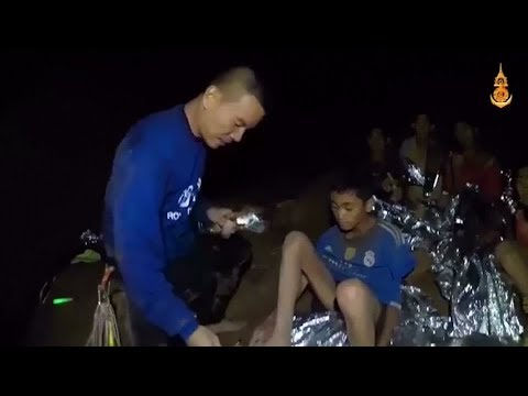 Dive lessons for boys trapped in Thai cave