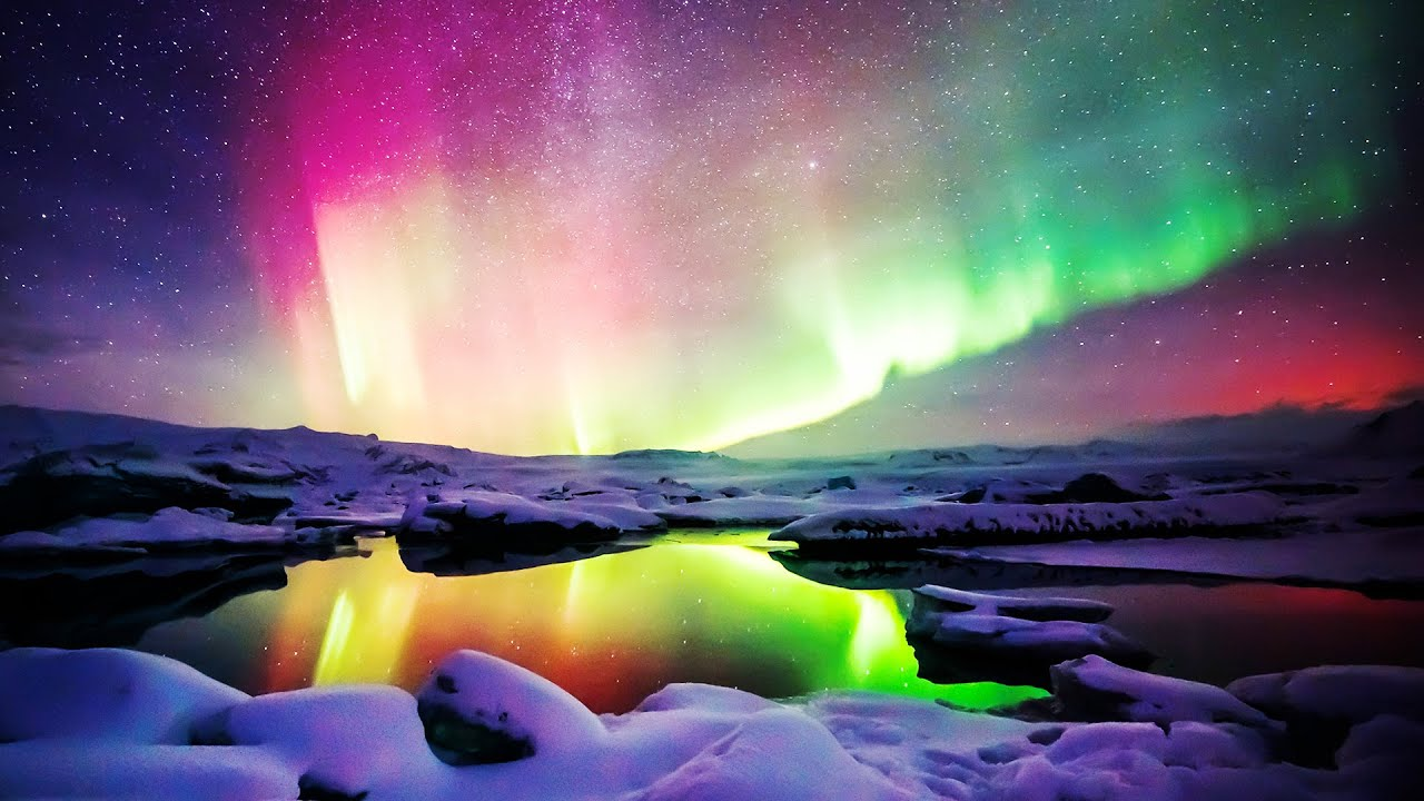 Top 15 Most Beautiful Auroras And Polar Skies Around The