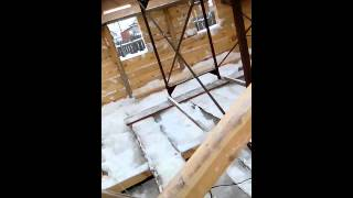 Строительство дома из бруса вдвоем,с помощью