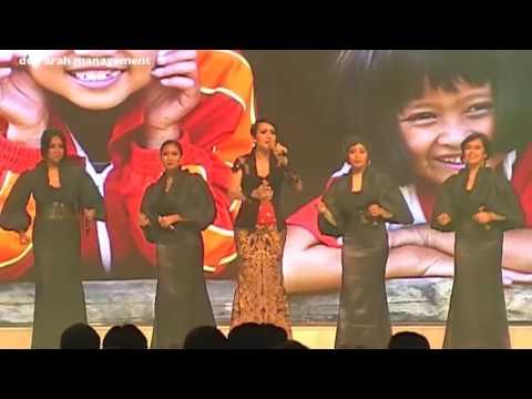 Lea Simanjuntak & Voice Of Indonesia - Zamrud Khatulistiwa, Rumah Kita & Indonesia Jaya (Medley)