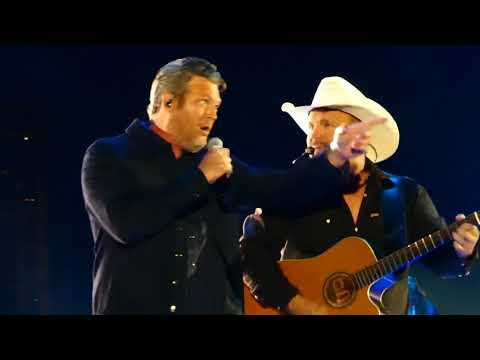 None - Garth and Blake Perform 'Dive Bar' Live!