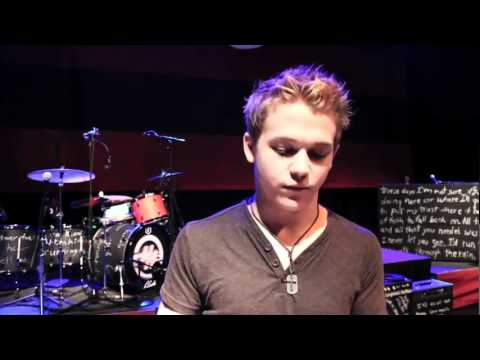 Hunter Hayes - Carrie Underwood Tour - YouTube