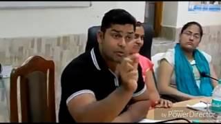 ये है धाकड़ IAS  officer B chandrakala jaisa ये धाकड़ COLLECTOR, अफसरों के छूट जाते है पछिने...