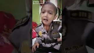 Download lagu Papa Ngak Pulang Mama Jalan Hobi jalan