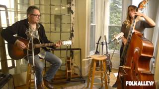 "Folk Alley Sessions: Kevin Gordon - ""Walking on the Levee"""