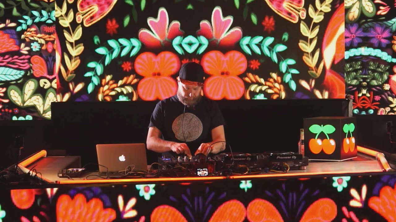 Download Format B | Pacha On Air - Munich (Germany)