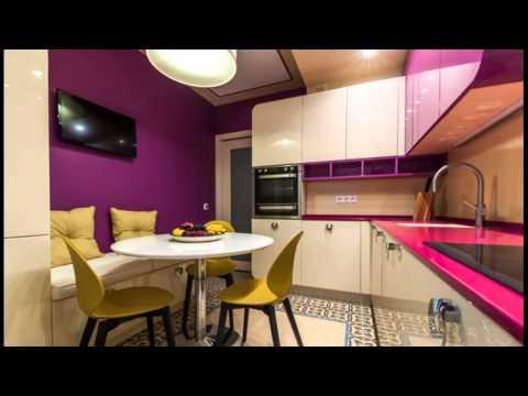Дизайн кухни 8 кв м в панельном доме. Интерьер угловой фиолетово-белой кухни