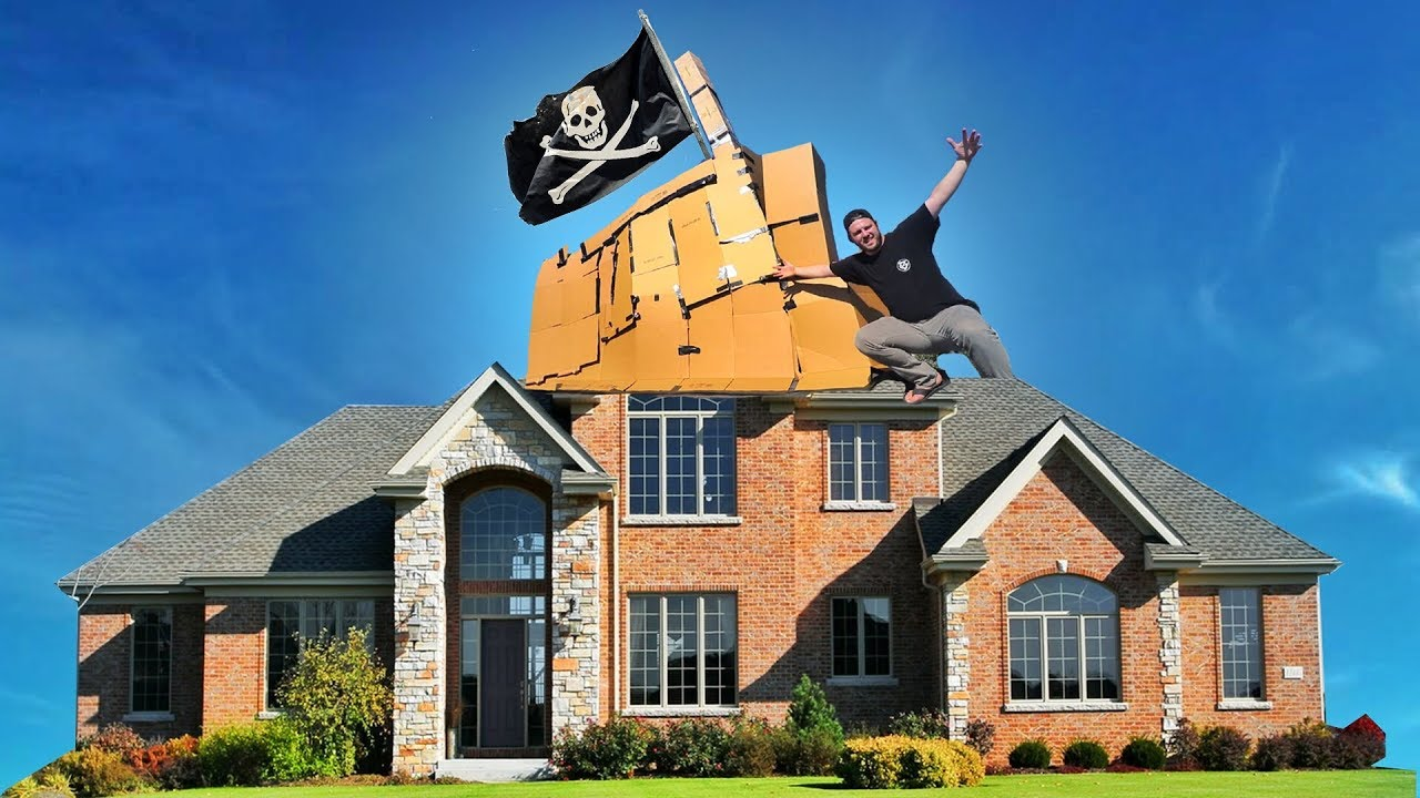 PIRATE BOX FORT ON ROOF 📦🏡 - YouTube on