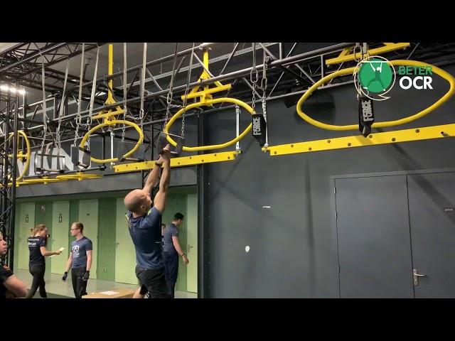 Gibbons Monkey Bars Techniek zijwaarts