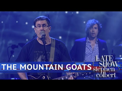 The Mountain Goats Perform 'Sicilian Crest'