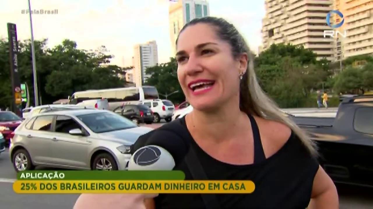 25% dos brasileiros guardam dinheiro em casa, revela pesquisa.