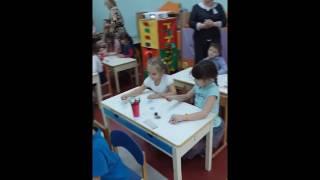 занятие  по обучению грамоте проводит Сапроненко Л Л