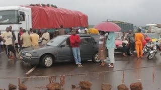 Travelers Stranded at Guinea Border Crossing