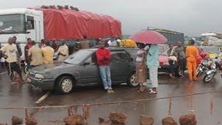 Travelers Stranded at Guinea Border Crossing