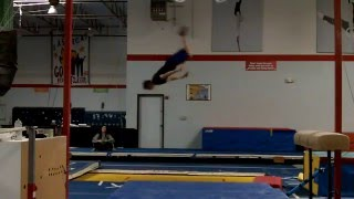 300+ BACKFLIPS ON TRAMPOLINE IN A ROW WORLD RECORD