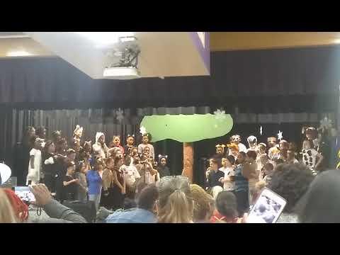 Luxford Elementary School second grade concert part 2