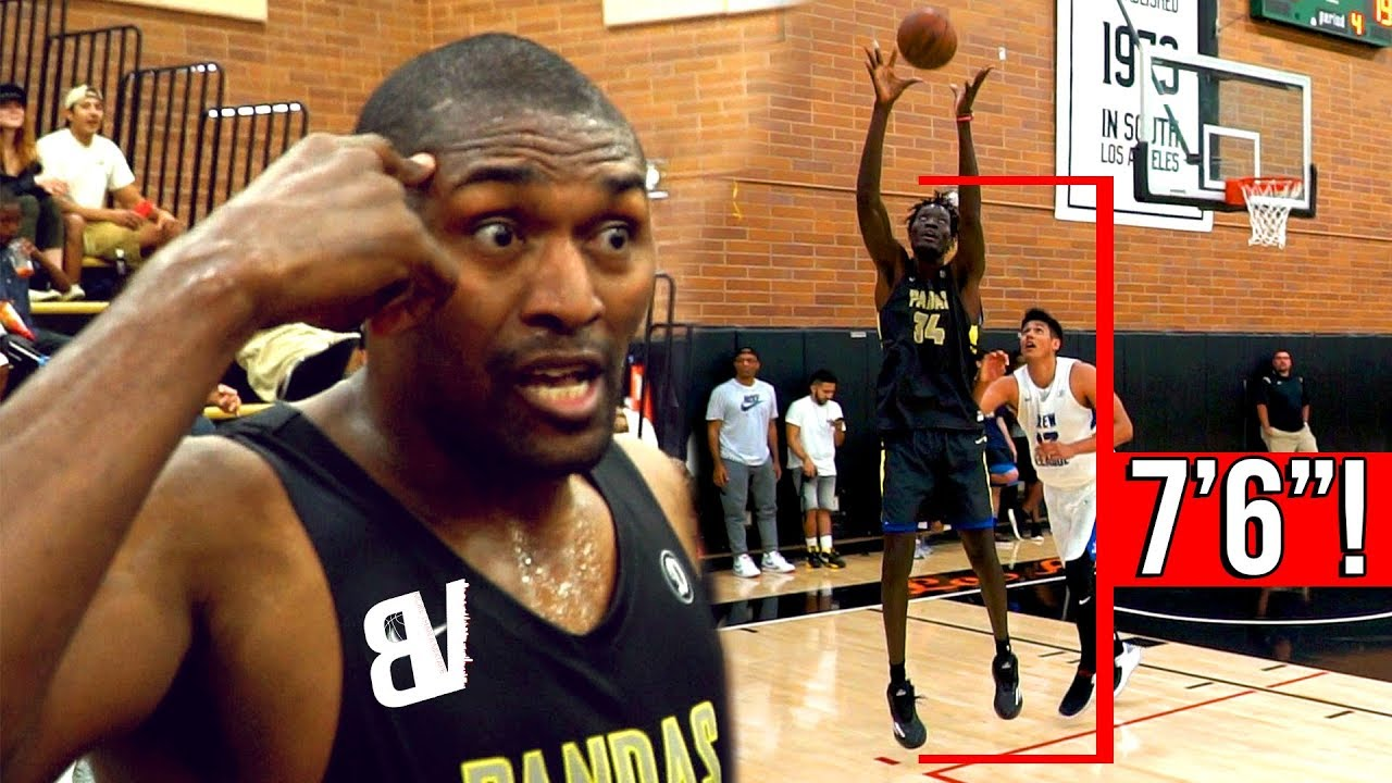 metta-world-peace-teams-up-with-7-6-mamadou-close-drew-league-game-metta-cashing-3-s