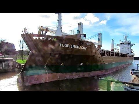 3 crane cargo seaship FLORIJNGRACHT PBSU IMO 9428413 in Grand Emden Sealock