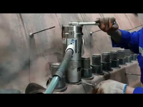Bolt Loosening By ITH Hydraulic Device