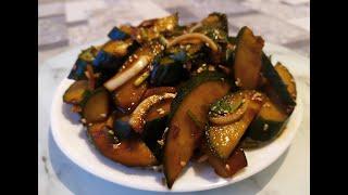 Корейский салат с огурцами.