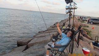Tx City Dike Night Fishing with The Hog Zone