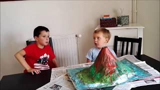 Antoine&Louis Super éruption volcanique -  volcan en papier mâché  - Expérience scientifique facile