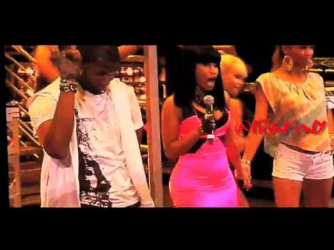 Usher feat. Nicki Minaj - Lil Freak [LIVE SUMMERJAM 2010]