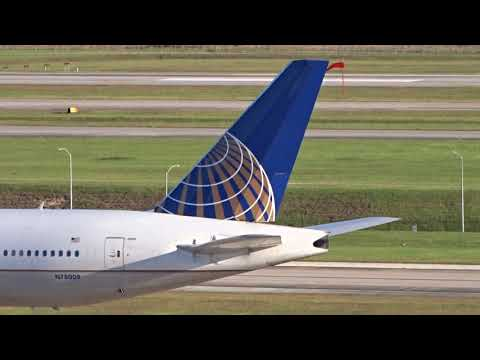 15 Minutes Of Planespotting At Houston (IAH)!!!