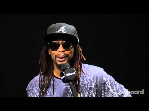 Lil Jon Backstage at the 2015 Latin AMAs
