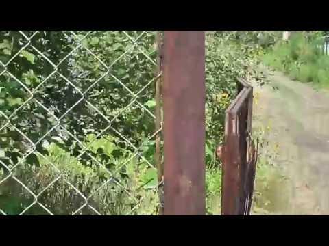 Забор из сетки рабица и старых водопроводный труб. ч. 2