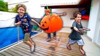 ABOBORA de HALLOWEEN Brincando com Paulinho e Toquinho