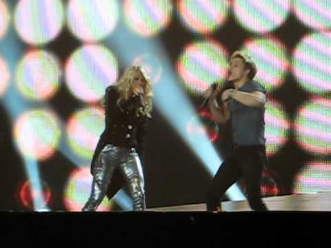 Hunter Hayes And Carrie Underwood Singing Leave Love Alone (FULL)