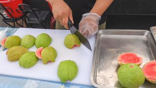Fruits Cutting Skills / 水果切割技巧, 芭樂 - Night Market in Taiwan