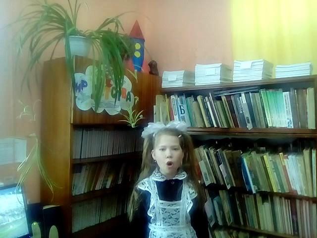 Изображение предпросмотра прочтения – ДинараМухамадеева читает произведение «Быль для детей» С.В.Михалкова