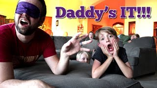 Hide & Seek in the BIG room of Mr. E's Mansion! Dad's It! / The Beach House