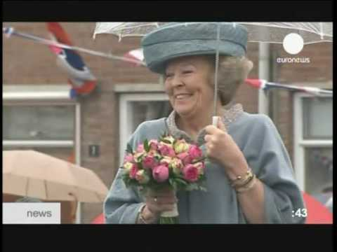 Queen Beatrix of The Netherlands unveils a Monument