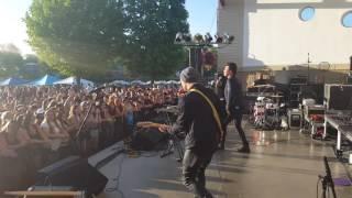 "Runaground ""Chase You Down"" live #93QSJ"