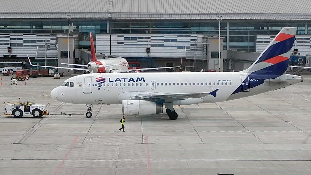 Latam Colombia Airbus A319 CC CPQ despegando de Bogota - YouTube