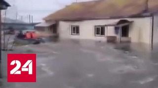 В Якутии откачивают воду из домов