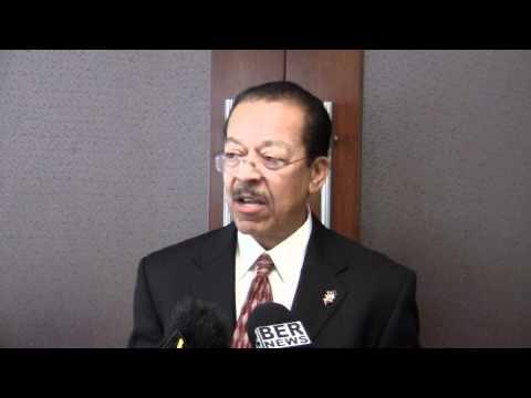Derrick Burgess Transport Minister Cruise Ship Season Bermuda January 9 2012