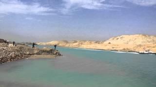 شاهد الفيديو الذى نقلته  السي ان ان من  قناة السويس الجديدة عن عظمة الجيش المصرى