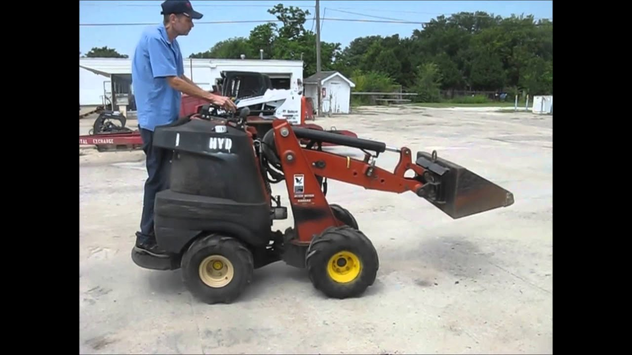 2008 Ditch Witch Zahn R300 compact utility loader for sale | sold at  auction September 10, 2015