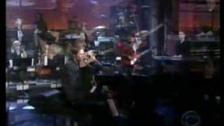 """Rufus Wainwright - """"I Don't Know What It Is"""" on Late Night"""