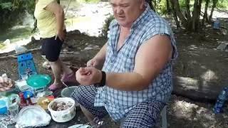Выходной день шашлык из баранины и свинины и СУПЕР рецепт приготовление бараньей лопатки на углях .