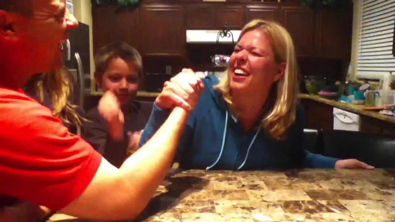 Son vs. Mom in Final Arm Wrestling Match - YouTube