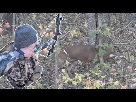 Big Buck Surprises Bowhunter At 15 Yards!