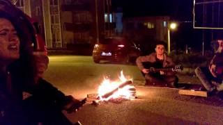 SILA YAN BENIMLE &TUGBA KAKIŞIM (sokak versiyonu)
