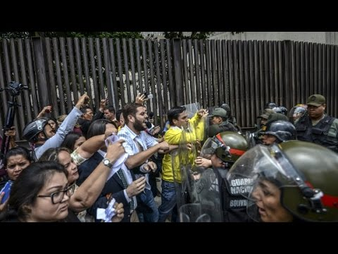 Students and police clash in Venezuela