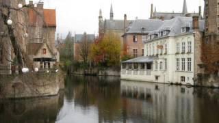 Брюгге - сказочный средневековый город(Вы прогуляетесь по красивым улочкам города Брюгге, попутешествуете по каналам на лодках, насладитесь преле..., 2013-09-12T21:23:26.000Z)